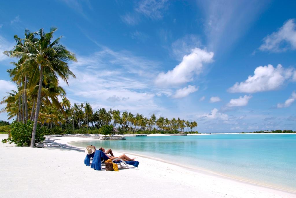 每个小岛不但海滩优美,水清沙幼,珊瑚礁更是彩色缤纷,加上各种各样的