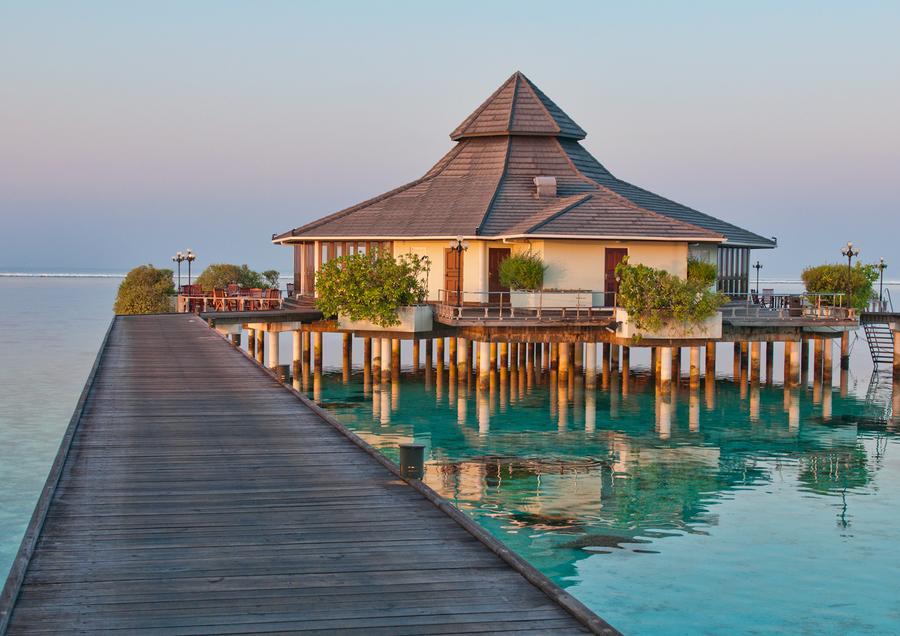 出境游 马尔代夫太阳岛4晚6日自由行(香港转机 2沙滩屋2水上屋 内飞