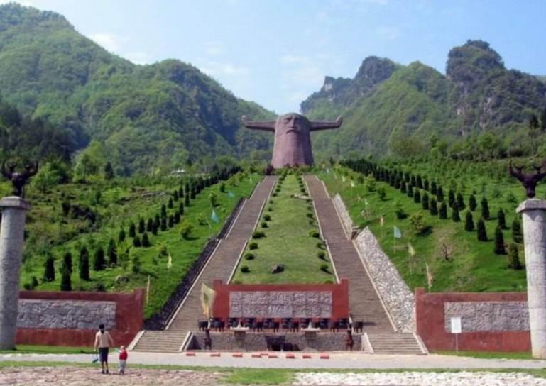 亚高山原始生态景观旅游区 天燕游览时间约3小时:天燕风景区因北有