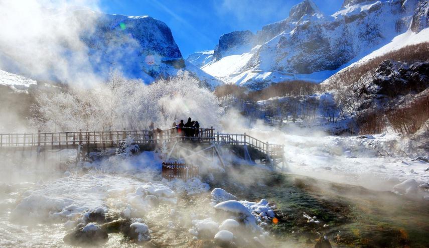 冬季长白山,滑雪,泡温泉,赏天池才是正经事