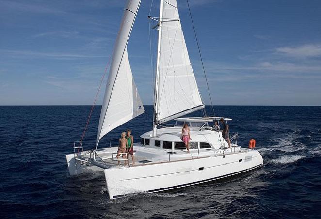【蜜月岛】豪华双体帆船一日游,这个行程是跟普吉知名的韩国帆船公司