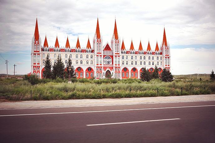 漫步在童话城堡般的满洲里,异域风情扑面而来,西方的浪漫与东方的典雅