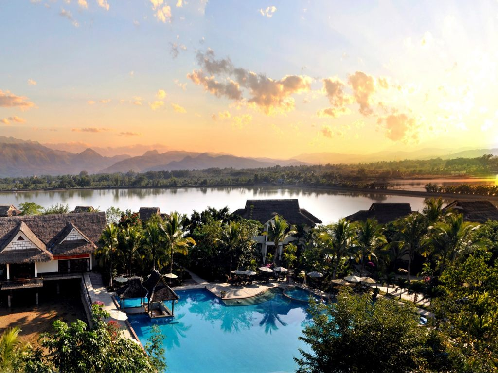 活动三:菩提岛度假酒店全新体验 围绕龙得湖畔,三三两两结伴,自行车