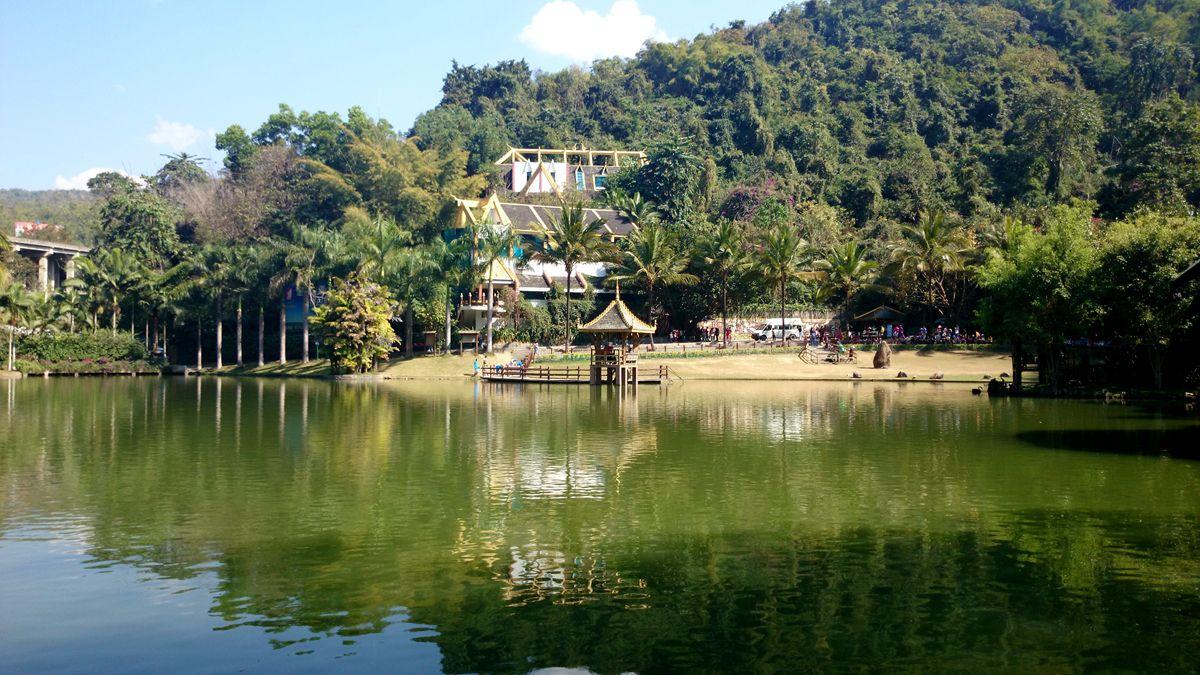 体验丽江独特的滇西北高原民族文化,晚入住酒店.