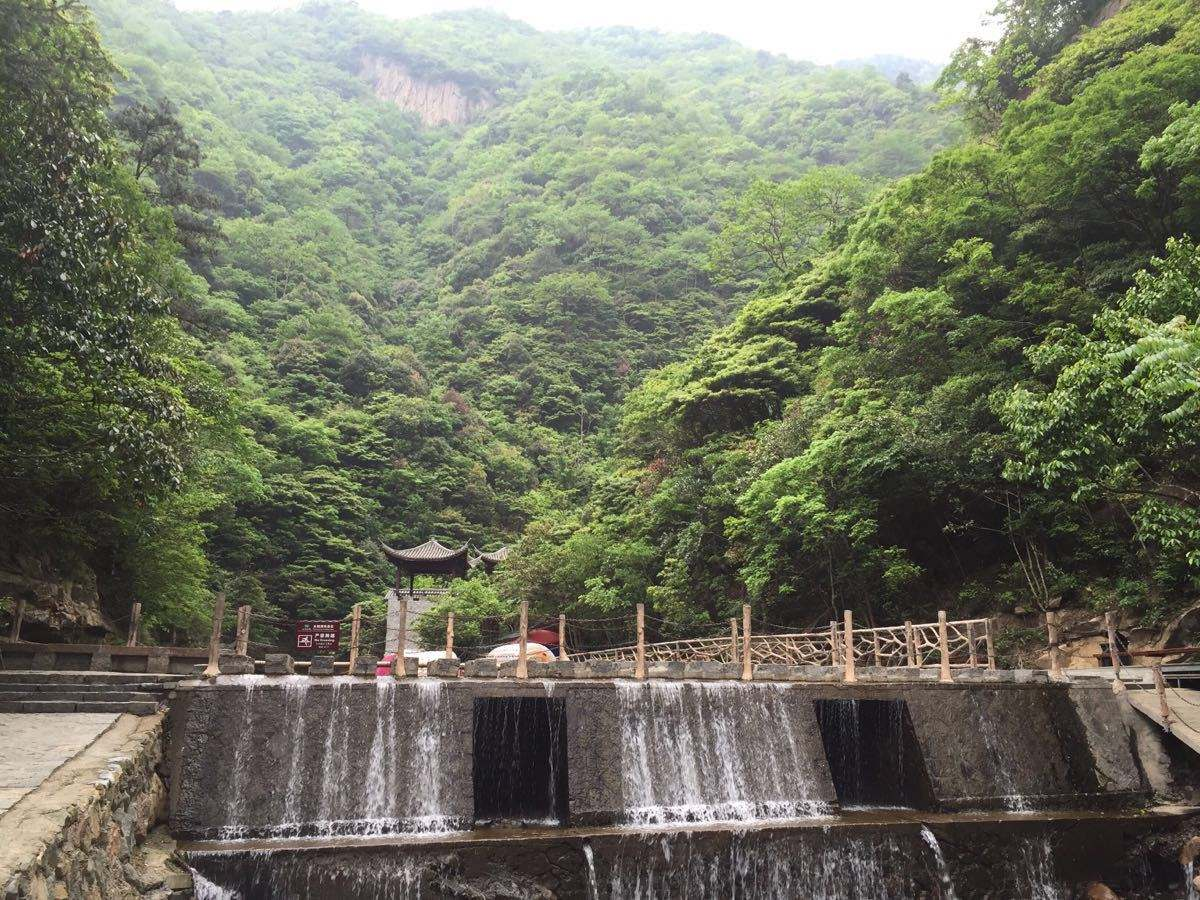 前往 【太湖源景区】(挂牌价88元/人已含,游览约 2 小时),姚明与夫人