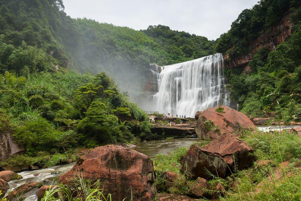 贵州遵义赤水大瀑布,佛光岩,十二背后双河谷纯玩双飞5