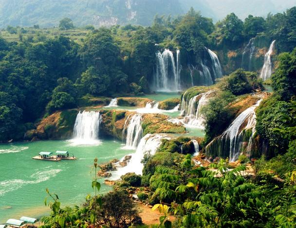 吉林乌喇满族风情园,长白山北坡,镜泊湖,吊水楼瀑布5晚6日跟团游(双卧
