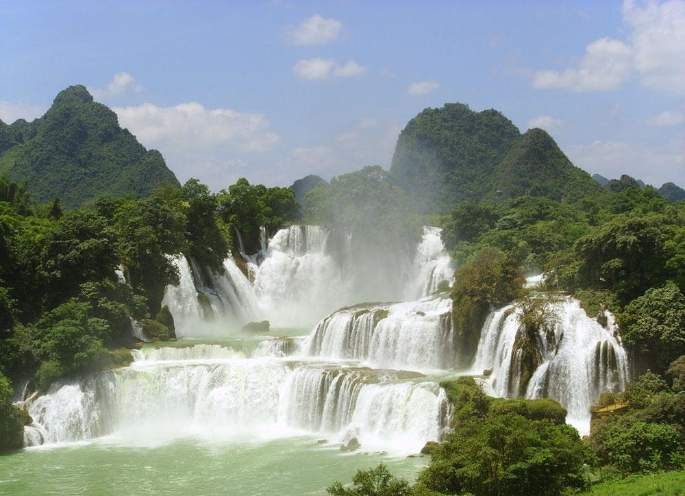 黄果树瀑布_贵州黄果树瀑布,西江千户苗寨,荔波大小七孔双飞5日游