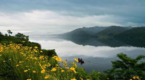 六鼎山文化旅游区,长白山风景区,镜泊湖风景区, 五大连池风景区,伊春