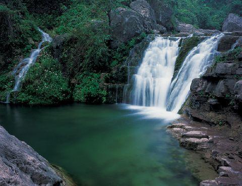 【云台山风景名胜区】(景区游览约4-5小时):游览 【潭瀑峡】(小寨沟)