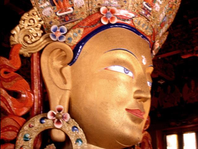 (港龙) 尼泊尔7晚9日游 (加都谷地/奇它旺/博卡拉/纳加阔特 3晚博卡拉当地5星酒店)
