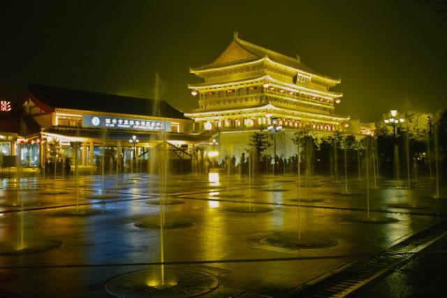 西安兵马俑、华清池、华山、市内2晚4日跟团游(卧往飞返,一车一导、含3餐、纯玩 )