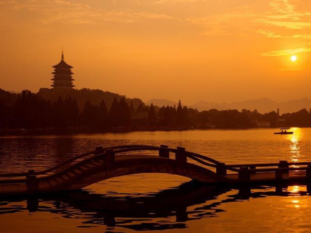 杭州西湖、西溪、黄龙洞+乌镇2天1晚跟团游(特惠纯玩 )