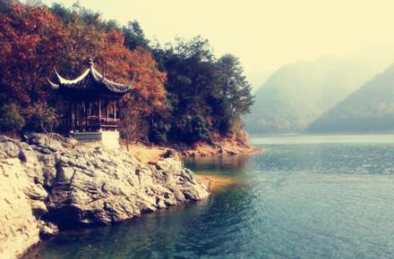 浙江杭州西湖+西溪湿地+千岛湖好运岛+苏州狮子林+南京中山陵3晚4日游