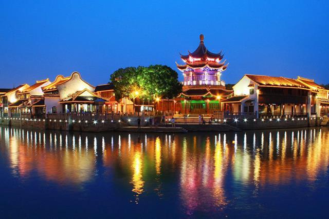 上海、苏州、杭州、乌镇双飞4日跟团游(深圳往返,含VIP接送机服务)