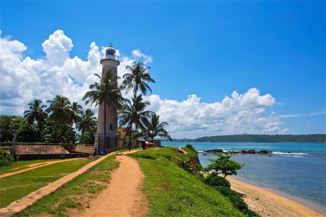 斯里兰卡5晚7天跟团游(港龙转机,海滨住宿免费升级,海上小火车,狮子岩,米内日亚,高跷渔夫,佛牙寺,送签证,优质领队服务)