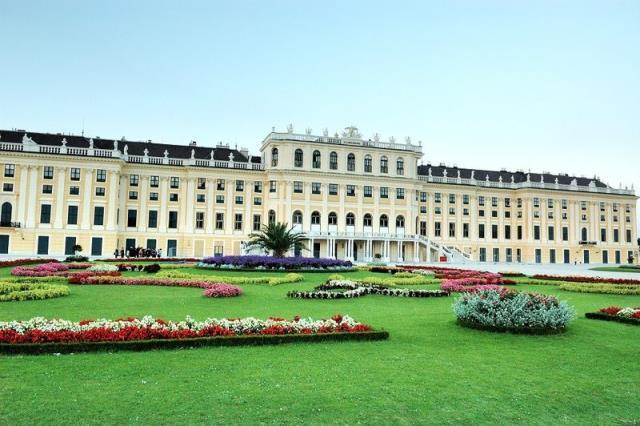 奥匈捷斯德+波兰10晚12天(CA/双特色餐/4钻酒店/布拉格城堡/渔人堡/WIFI)