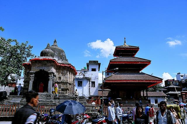 尼泊尔7晚8日全景游 (东航直飞,入住2晚网评五星酒店+2晚网评四星酒店+特色度假村,无购物)