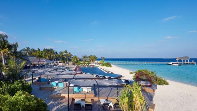 马尔代夫阿玛瑞5晚7日自由行(新航转机,1晚马累当地酒店+阿玛瑞2沙2水,含三餐,内飞+快艇上岛)
